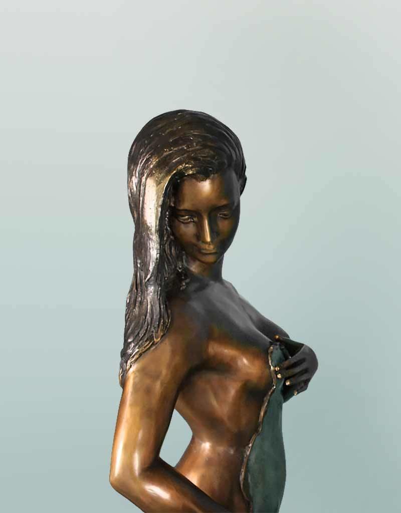 Grande Filomena – Lebensgroße sinnliche Frauenskulptur