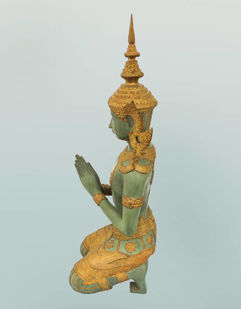 Kniender Tempelwächter – Bronzeskulptur