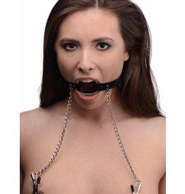 Master Series Fesselknebel O-Ring mit Brustwarzenklammern