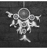 Witte dromenvanger met 5 ringen