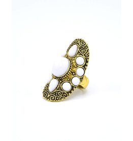 Witte Bohemian ring