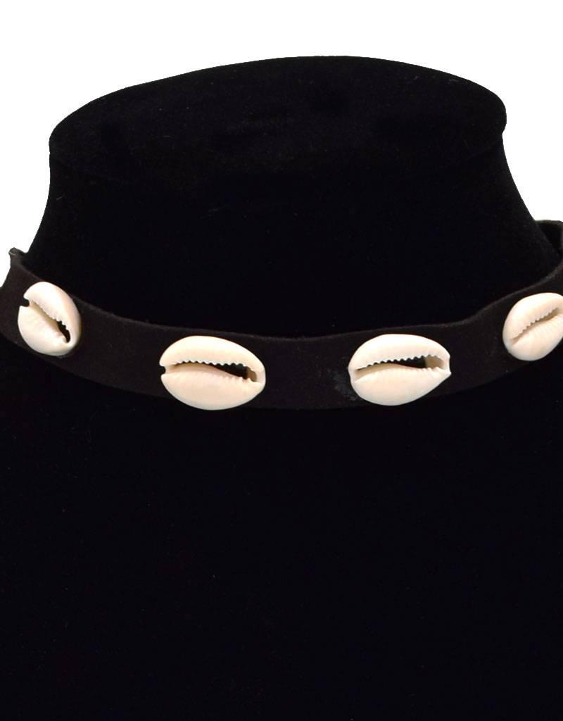 Zwarte Vintage Choker met Kauri Schelpen