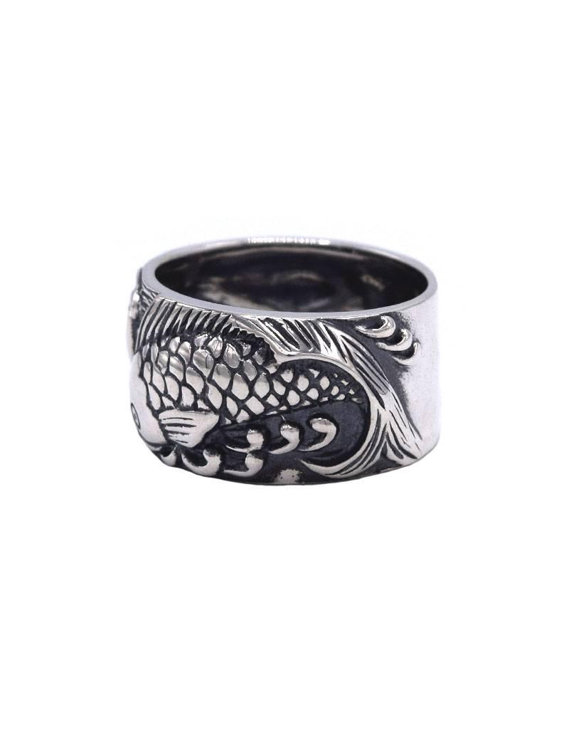 Zilveren ring met Koi