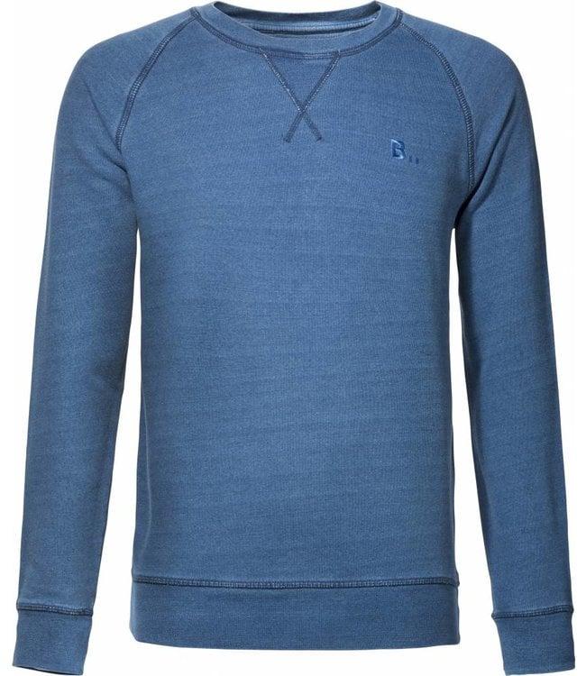 Op FairFrog: Heb je altijd al een keer een trui in een andere kleur blauw gewild? Dan is deze indigo washed trui echt iets voor jou. Casual, maar chic genoeg voor een leuk feestje.   Kleur: Indio washed   Pasvorm: Fitted   Materiaal: 85% Biologisch katoen / 15% Polyester   Dessin: Effen, maar iets gemêleerd.   Hals / Boord: Ronde boord met leuk detail aan de voorkant.   Stijl: Casual   Wasvoorschriften: Op 30 graden wassen. Stop hem niet in de droger. Strijken als normaal katoen. En nooit met lichte kleuren wassen.   Land van herkomst: India/Bangladesh