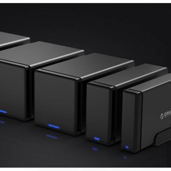 Orico magnetic 4 Bay Type-C Hard Drive Enclosure 3.5 inch SATA HDD / SDD Docking Station black