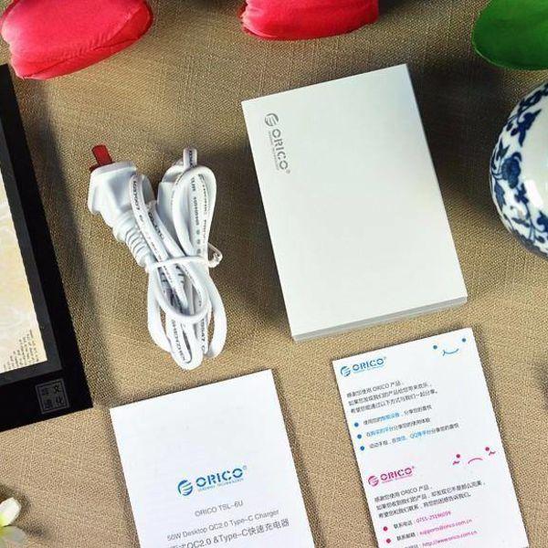 Orico chargeur de bureau avec 2,0 Charge rapide avec 5 type A ports USB de charge, et un port de charge USB de type C - jusqu'à 50W - blanc