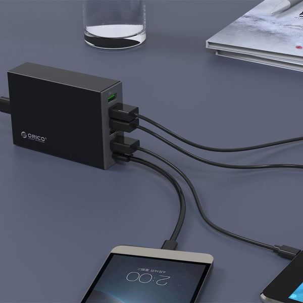 Orico Moderne Bureaulader met Quick Charge 2.0 - 5x type-A USB-laadpoorten -x 1 type-C USB-laadpoort - Intelligente Chip - 50W - Zwart