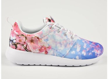 "WMNS Roshe One White/Pure Platinum ""Cherry Blossom 819960 100"