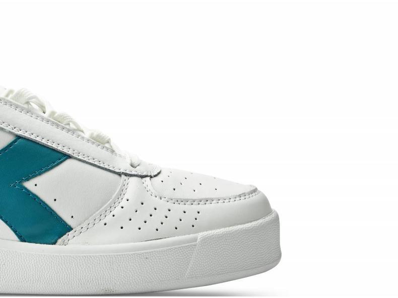 B.Elite White/Harbor Blue C6648