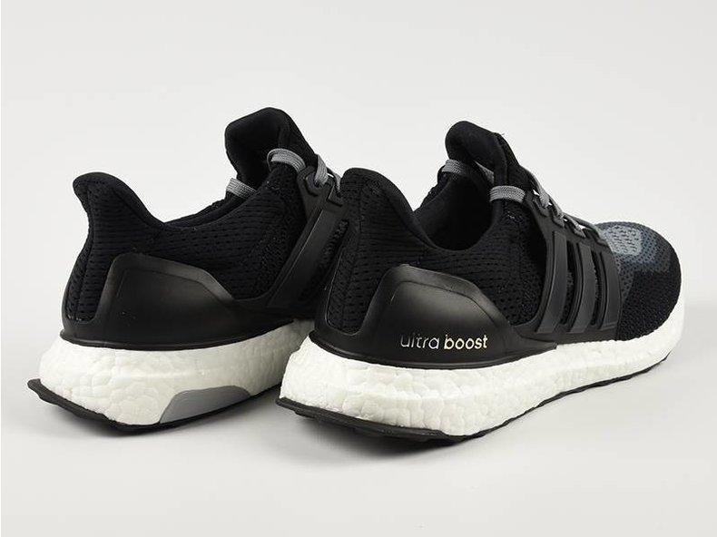 Ultra Boost Core Black/Core Black AQ4004