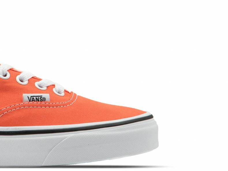 Authentic Flame True White VN0A38EM2W1