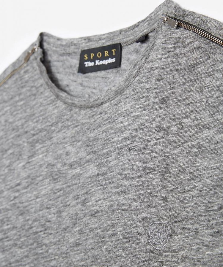 THE KOOPLES THE KOOPLES GREY COTTON T-SHIRT WITH ZIPS ON SHOULDERS