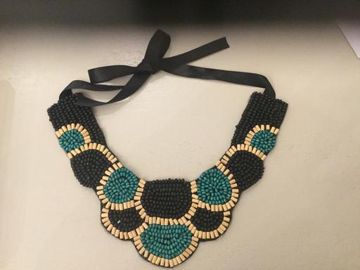 Wooden beaded collar
