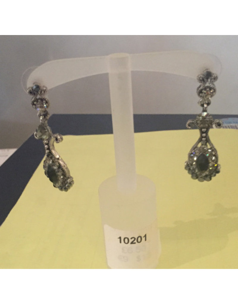 black and grey drop earring