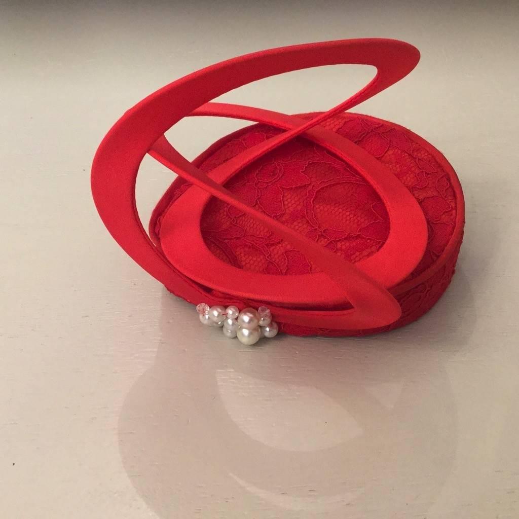 Fiona Mangan Fiona Mangan Red lace swirl hat