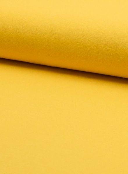 effen tricot geel