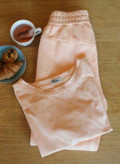 circle salmon sweat