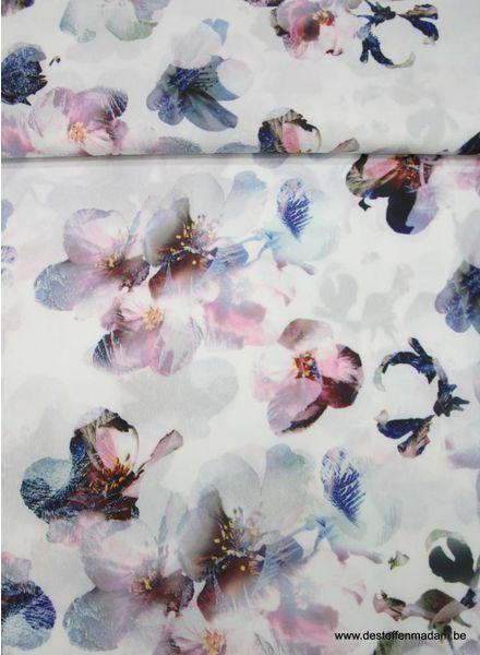 witte soepelvallende polyester