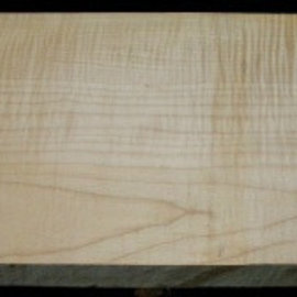 Sycamore, fiddleback, guitar body, 550 x 200 x 50 mm, 5,2 kg