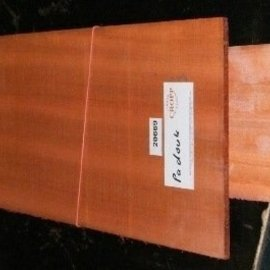 Padouk, Guitar bottoms and sides 550x215x4,5/825x125x4 mm