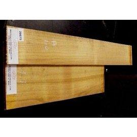Maulbeerbaum, Einschnitt 2008, 520 x 190 x 4/800 x 110 x 4 mm, 1,4 kg
