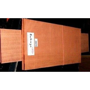 Bubinga, Gitarrenböden & Zargen, 550x215x4,5 / 825x125x4 mm, luftgetrocknet, Einschnitt 2010