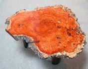 Tischplatten und Baumscheiben