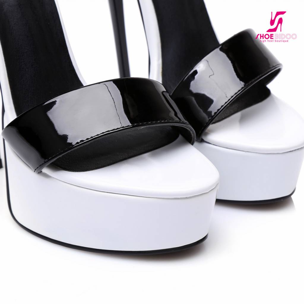 "Giaro White and black shiny Giaro ""Galana"" sandals"