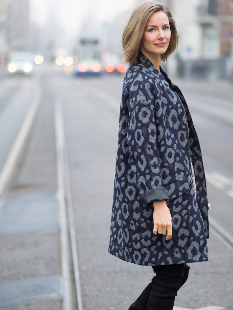 TESSA KOOPS DORIAN BLUE MANTEL