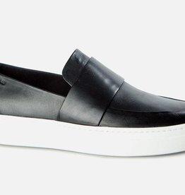 Vagabond Camille Black Leather Loafer