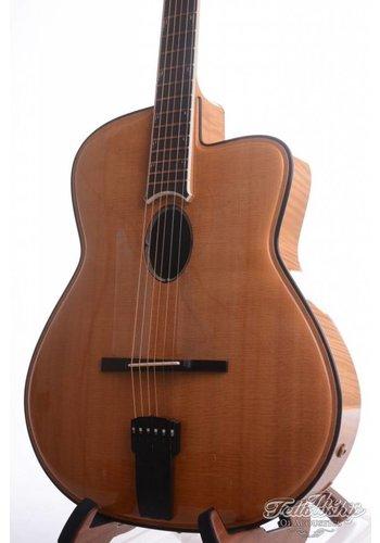 Joseph Jesselli Joseph Jesselli Carved Grand mastermade Jazz guitar