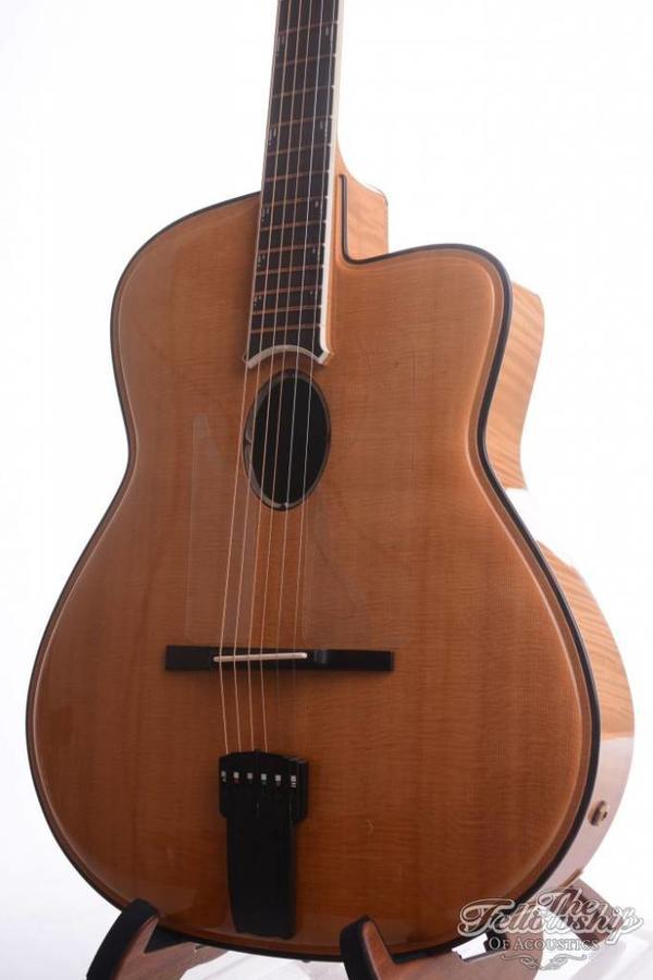 Joseph Jesselli Carved Grand mastermade Jazz guitar