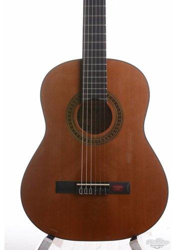 Salvador Cortez Salvador Cortez CC-08-BB Student Series Classical guitar Agathis-Cedar Bambino