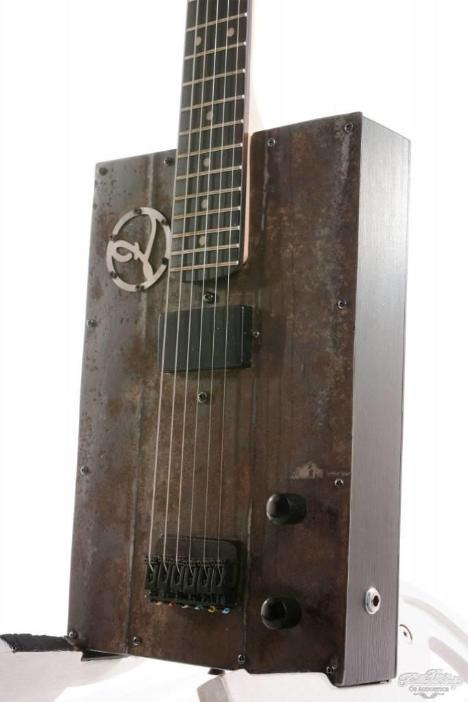 Ziggabox 6-string Cigarbox guitar