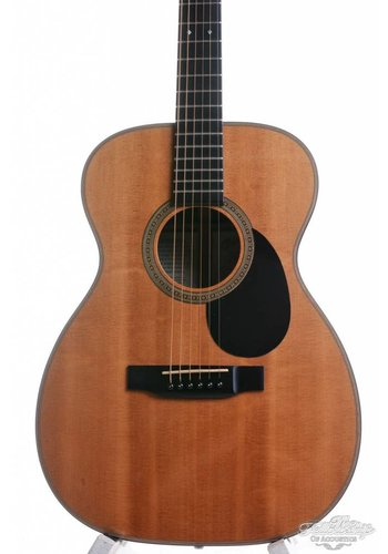 Martin Martin 00-16DBR (deep body Rosewood) Women in music edition #44 1997
