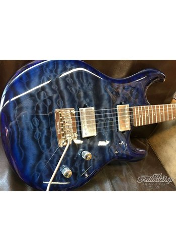 Music Man Ernie Ball Music Man Luke III Ball Family Reserve Blueberry Burst Quilted Maple