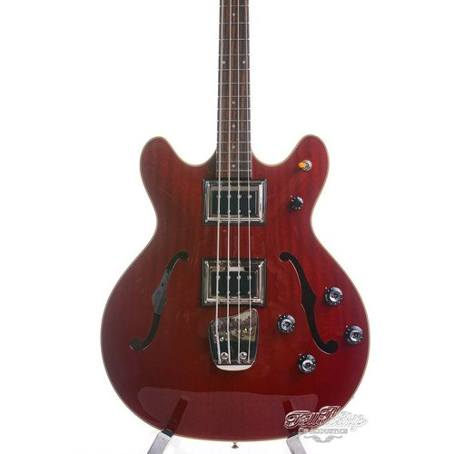 Guild Guild Starfire II Bass Cherry Red Newark Street Collection