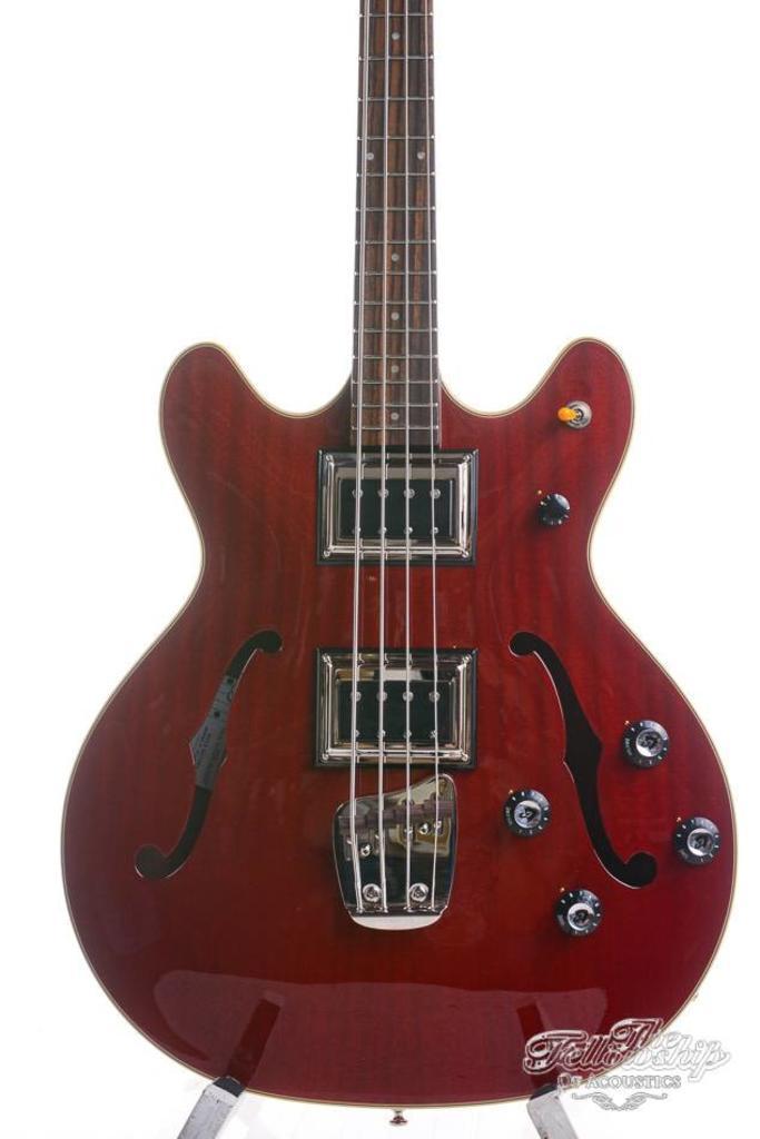 Guild Starfire II Bass Cherry Red Newark Street Collection
