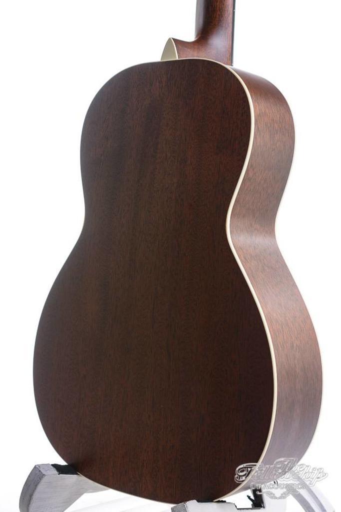 Martin Custom Shop 017 deluxe style 12 fret mahogany