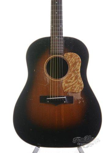 Gibson National-Gibson J45 sunburst model 1155 1951