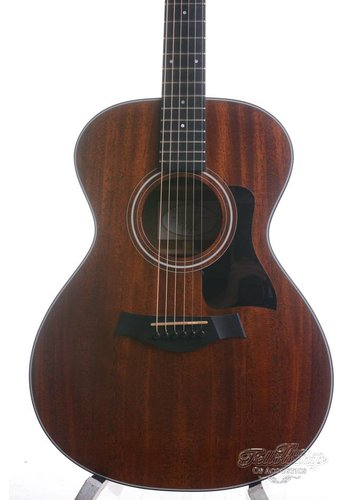 Taylor Taylor 322 All Mahogany Near Mint 2013