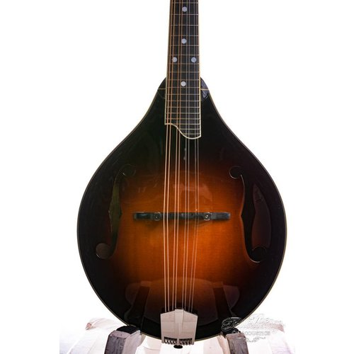 Eastman Eastman MD505CS A-style mandolin F-holes