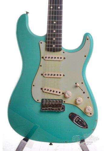 Fender Custom Shop Fender Custom Shop 1960 Stratocaster Relic Seafoam Green 2011