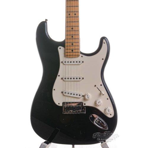 Fender Custom Shop Fender Custom Classic Stratocaster® V Neck Maple Fingerboard, Black, 2001 Used