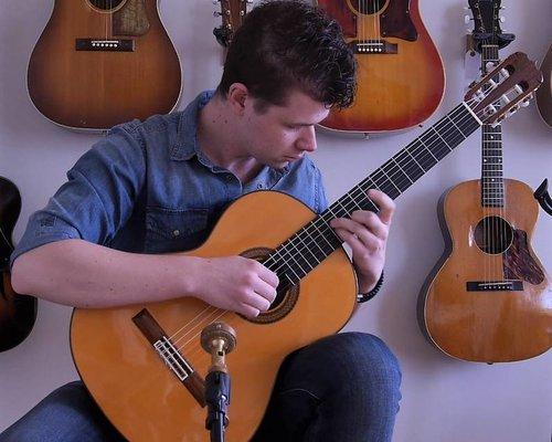 Cedar vs. Spruce on Classical Guitars!