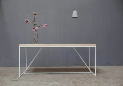 Julia I dining table
