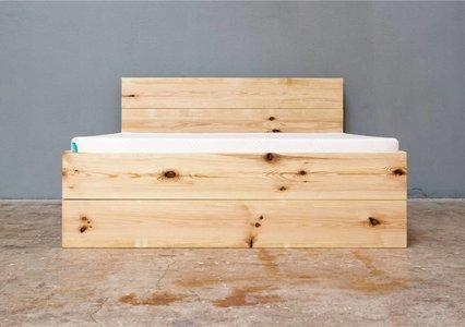 Bett stehend mit zwei Schubladen