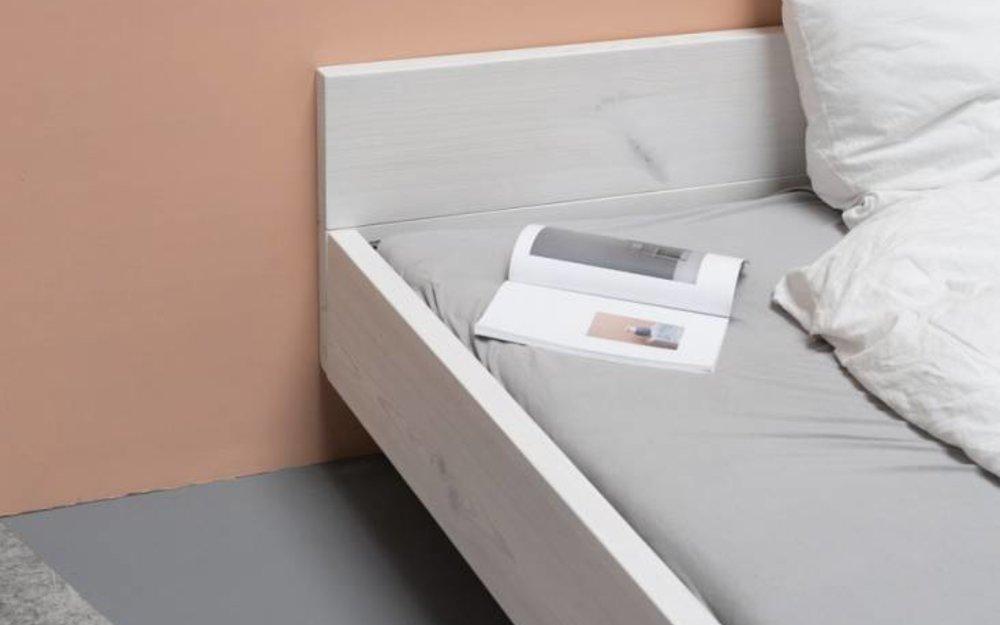 woodboom Bett schwebend, weiß lasiert