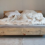 woodboom Bett schwebend aus Kiefer