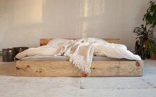 Elke schwebend I bed - Copy